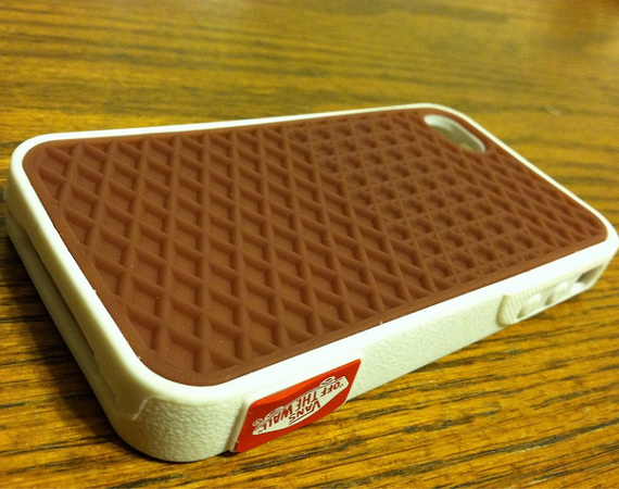 About Vans iPhone 4 Case Skaters, surfers, and shoe aficionados alike all clamber for Vans shoes, clothes, and accessories. Now you can take your love of this classic athletic brand to your smartphone with a Vans iPhone 4 case.