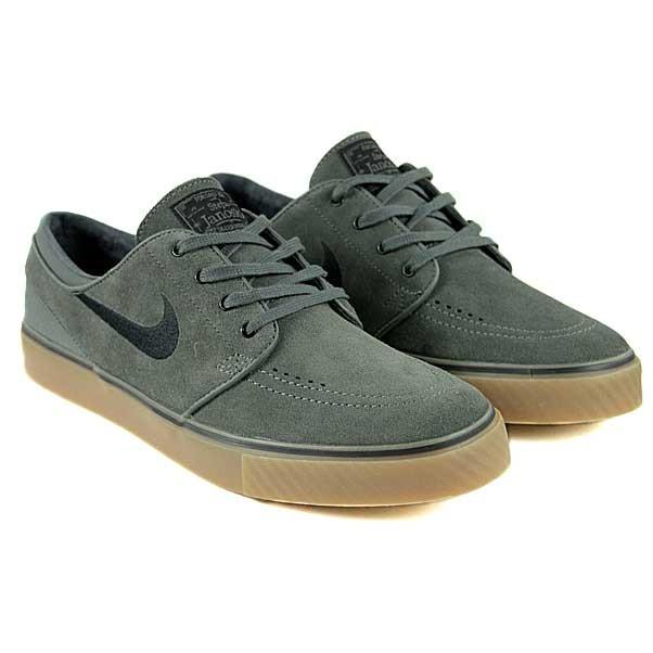 e230f2a4a9fd Nike SB - Stefan Janoski Low - Dark Base Grey Black Gum - Skateaffair